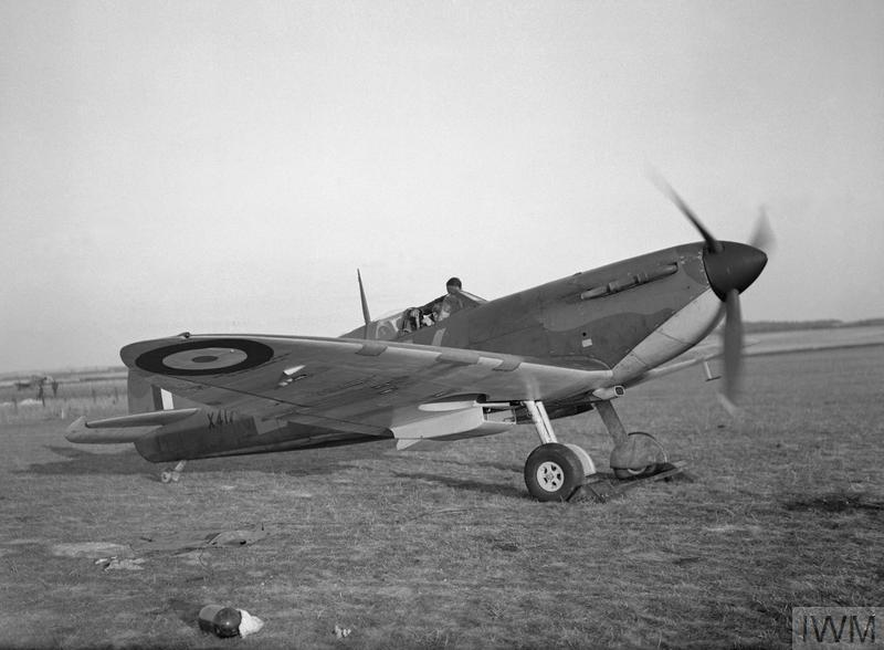 Supermarine Spitfire Mk I of No. 19 Squadron at Fowlmere in Cambridgeshire, 21 September 1940.