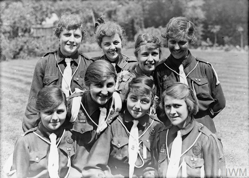 THE GIRL GUIDES ASSOCIATION IN BRITAIN, 1914-1918
