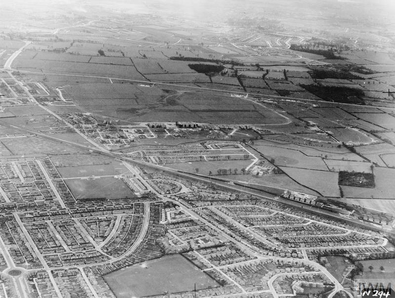 AERIAL VIEWS IN THE UNITED KINGDOM, 1941 - 1942