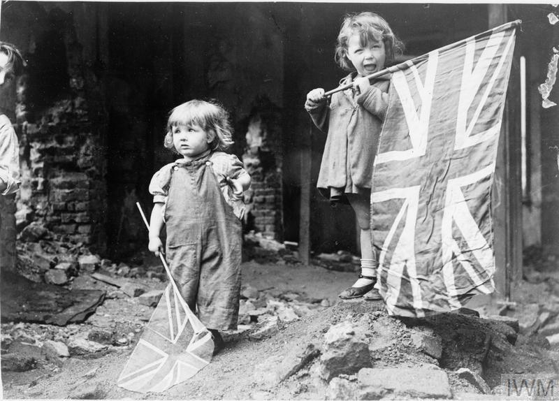 VE DAY IN LONDON, 8 MAY 1945