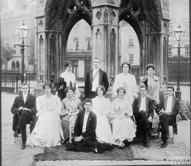 The future war poet,Siegfried Sassoon with his brother Hamo and other students on the morning after a college May Ball at Cambridge University in 1906.