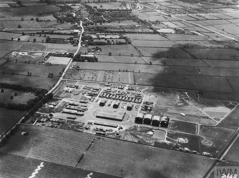 AERIAL VIEWS IN THE UNITED KINGDOM, 1941-1942.
