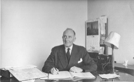 Duncan William Mackenzie MC - Headmaster