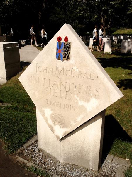 Jphn McCrae plaque, Flanders