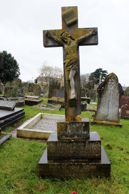 Aldana Family Grave