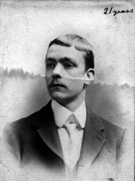 Stephen Smith born 17 Feb 1877