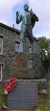 Hedd Wyn statue
