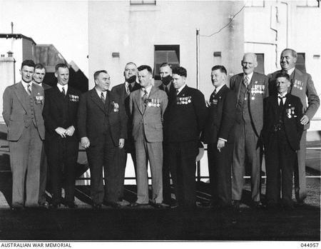 Group portrait of VC winners, Sydney