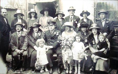 Herbert John Mahoney's wedding, 1924