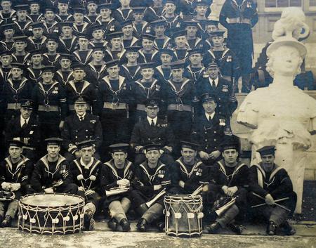 HMS Vivid crew WW1