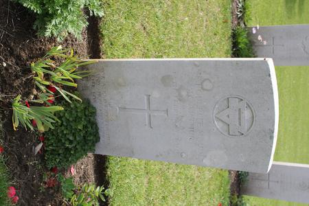 Headstone for Marguerite Maud McArthur