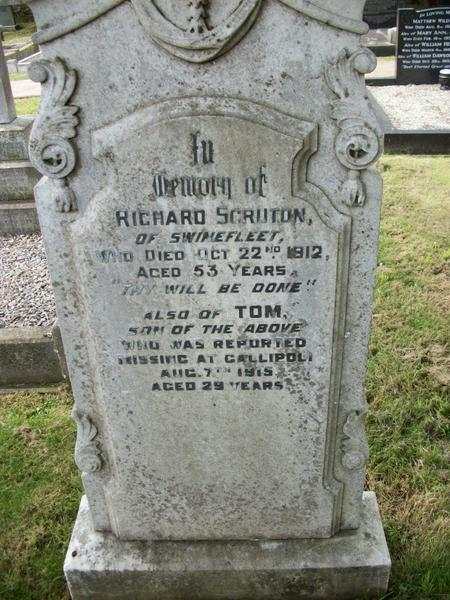 Headstone in St Peter's Churchyard, Laxton