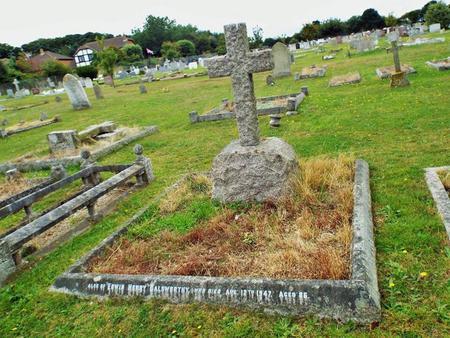Olive and her husband's grave norfolk
