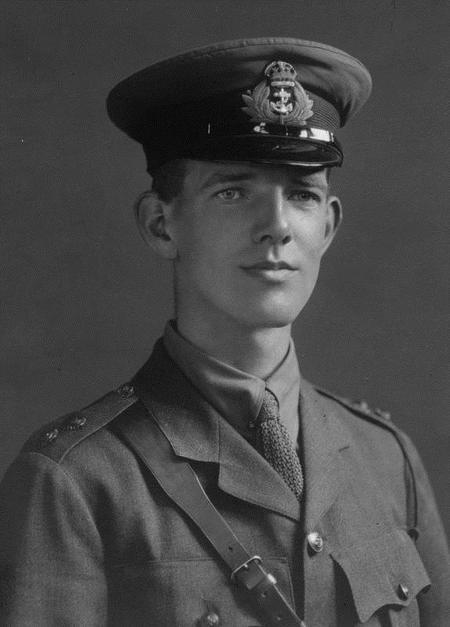 Portrait photograph of Owen Jardine Hobbs