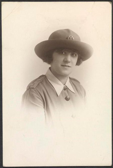 Profile picture for Edith Carr