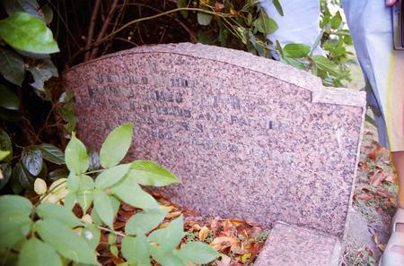 Tombstone of Edward James Smith