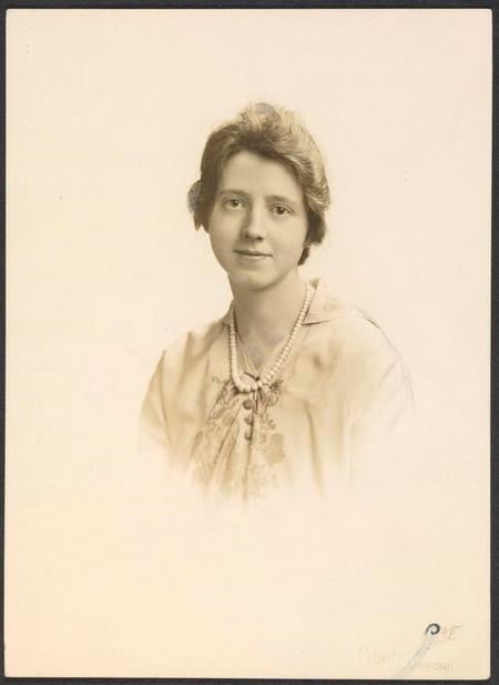 Profile picture for Doris Hirst