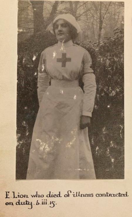 Profile picture for Esme Blanche Lion