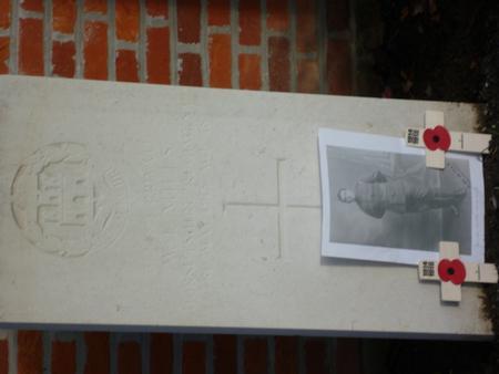 William's grave in Reninghelst