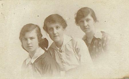 Dorothy Mary and Ellen Swindells
