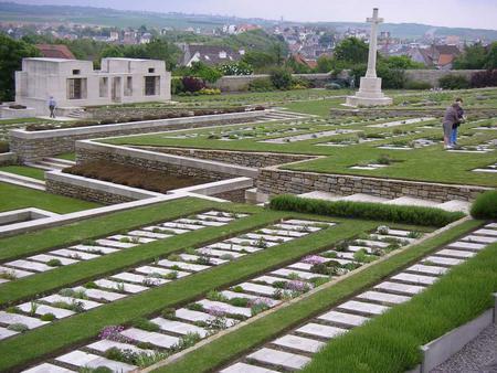 CWGC Wimeureux Cemetery