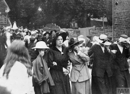 Munitions worker's funeral in Swansea
