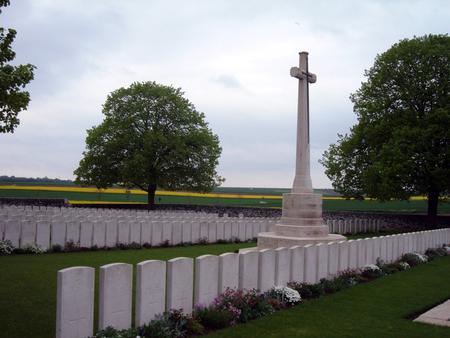 Highland Cemetery, Roclincourt - 2