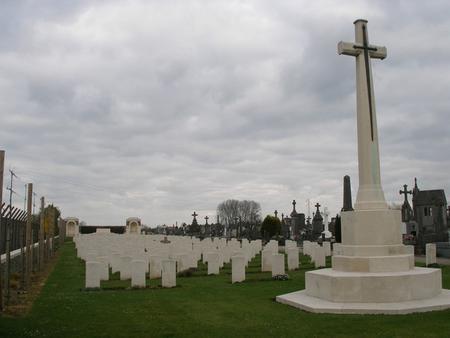 Estaires Communal Cemetery - 1