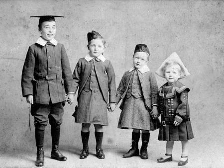 Edgar George Chappell with his brothers in 1906