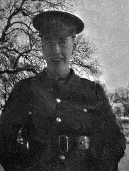 2/Lt. E. G. Chappell at Lee Farm, Colworth, 1917.