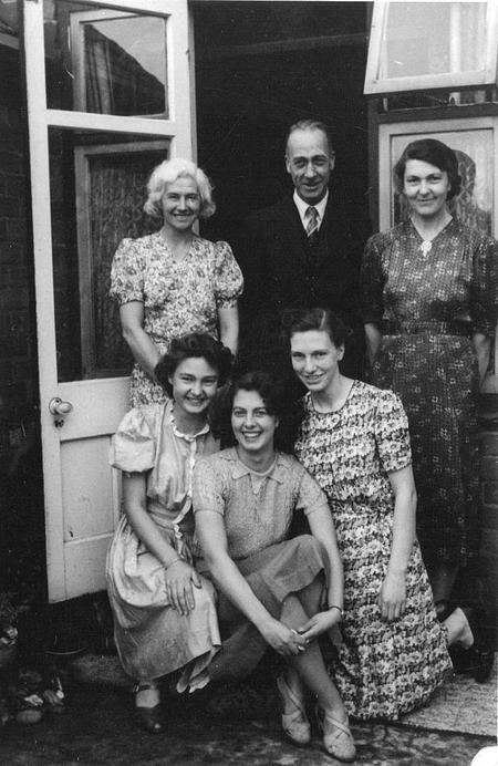 Visitors, Chaddesden, Derby 1942.
