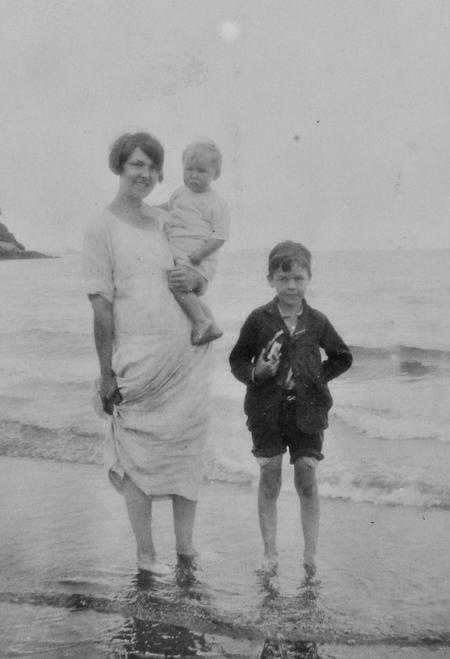 Holiday in Paignton, Devon, 1925.