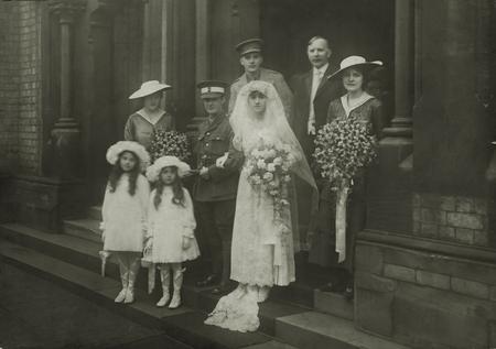 The wedding of W.O. Montgomery & Maud Marie Watts.