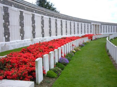 Tyne Cot Memorial, West-Vlaanderen, Belgium - 3