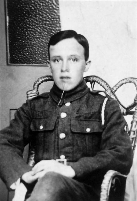 Profile picture for Arthur J Davies