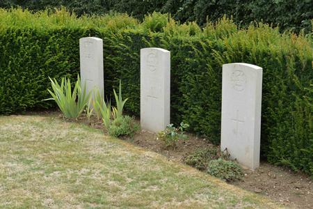 Grave at Villers-Guislain