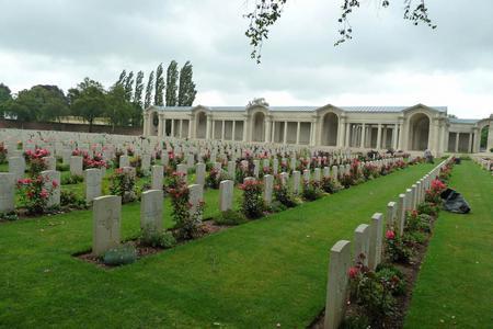 Faubourg D'Amiens Cemetery, Arras, Pas de Calais 2