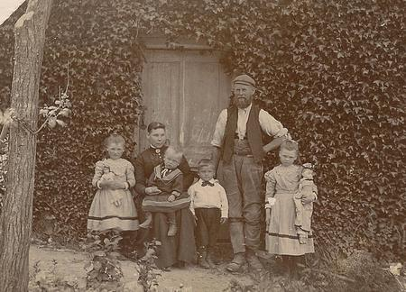 George & Adelaide Bevis with their children c.1901