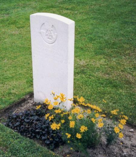 George Gough's grave Potijze Cemetery
