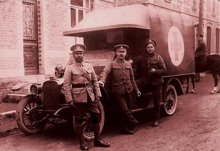 Ambulance driver, Fred Hillier (centre).