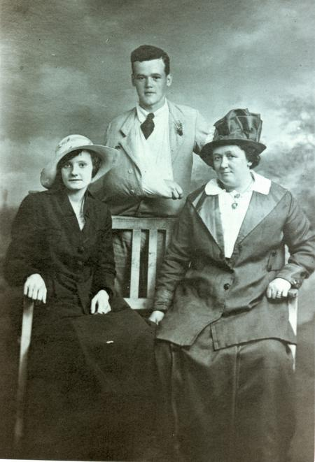 A wounded Rfn John Richard Finch with family