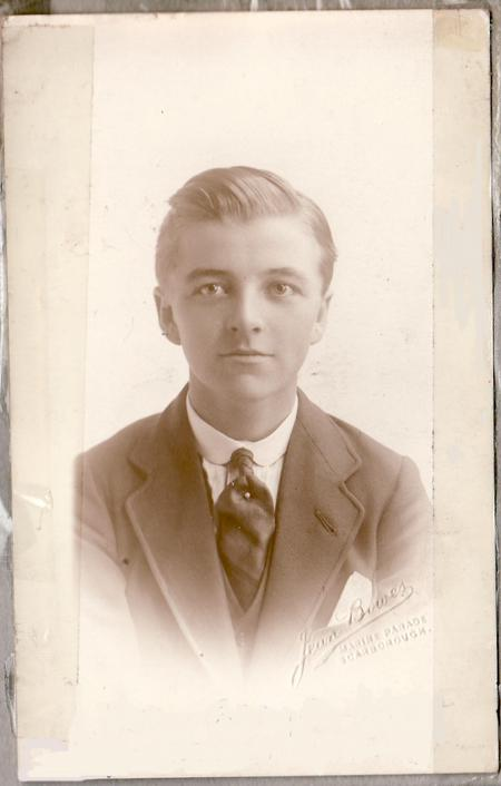 Profile picture for Harry Carrington Wright