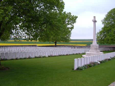 Highland Cemetery, Roclincourt, Pas de Calais - 1