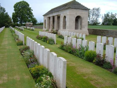 Guards Cemetery, Lesbouefs, France 4