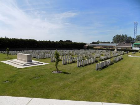 Ramscappelle Road Military Cemetery 2