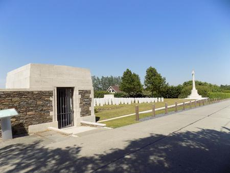 Zantvoorde British Cemetery, West-Vlaanderen - 2