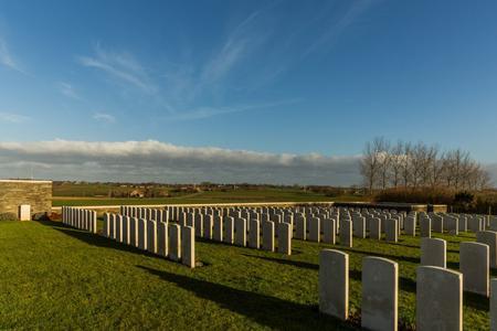 Zantvoorde British Cemetery, West-Vlaanderen - 4