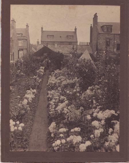 1913 - Garden of 10-12 High St. Buckie