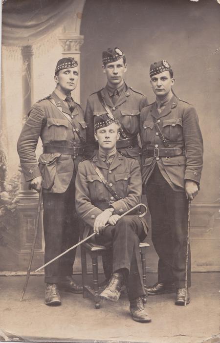 Lt Walter Imlah and 3 fellow Gordon Highlanders