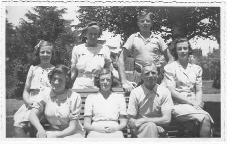 Francis's family (1945)